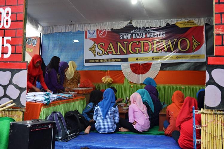 stand-sangdewo-panggung-seni-desa-kradinan