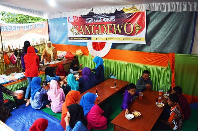 stand-sangdewo2-panggung-seni-desa-kradinan